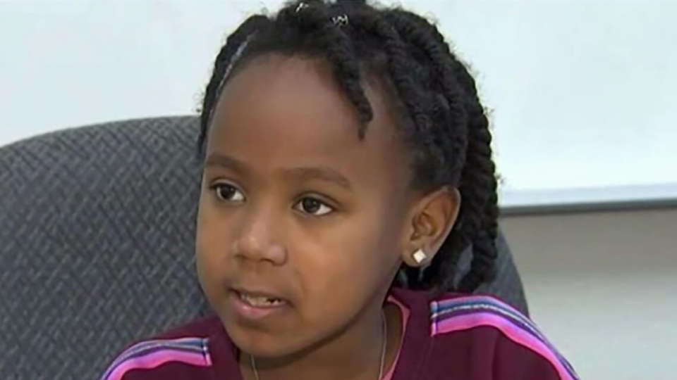 7-year-old raises money and helps classmates who can't afford school lunches