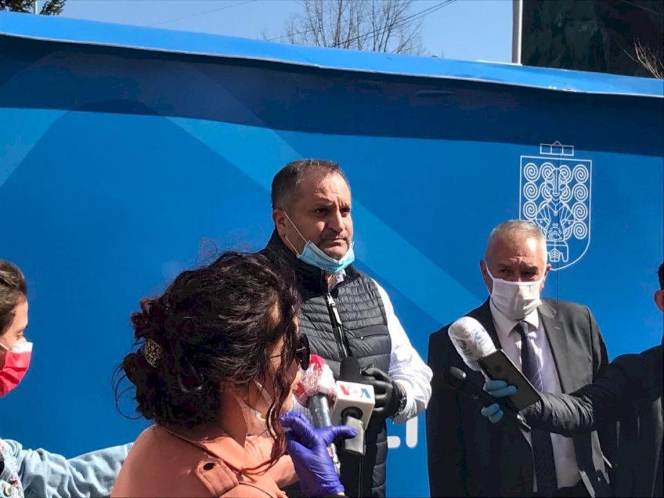 Ahmeti: Ky nuk do të jetë tuneli i vetëm dezinfektues, do vendosim edhe të tjerë (VIDEO)