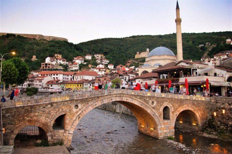 Hajnat vjedhin arkën me para në një xhami në Prizren