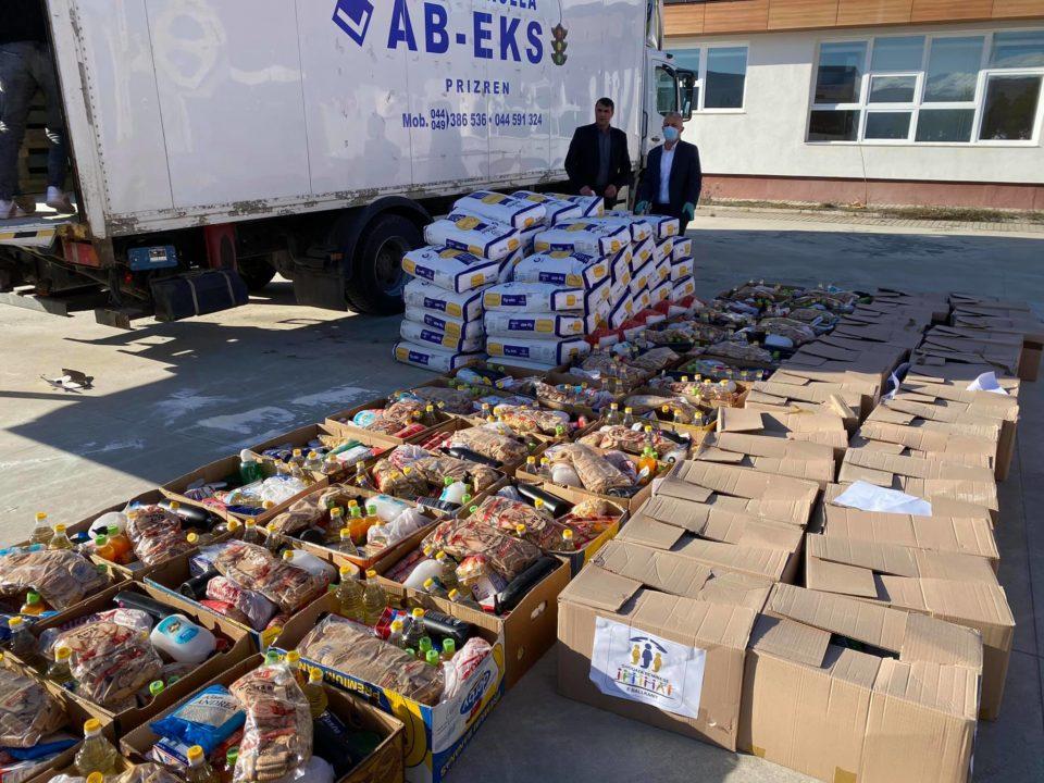 """""""Jetimat e Ballkanit"""" ndihmon me pako ushqimore dhe higjienike 70 familje në nevojë në Dragash"""