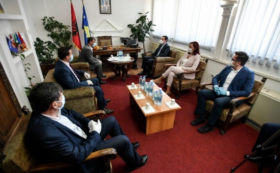 Kryetari i Dragashit Shaban Shabani sot priti në takim Kryeministrin Albin Kurti