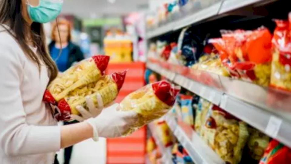 Italianët kanë shtuar mesatarisht dy kilogramë peshë, gjatë mbylljes si pasojë e koronavirusit