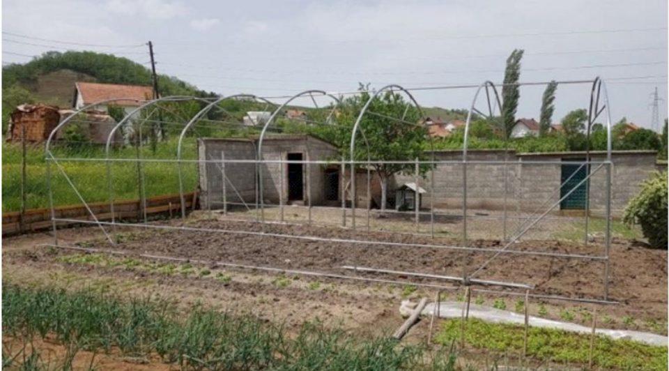 Komuna e Vushtrrisë ndan 145 sera për fermerë