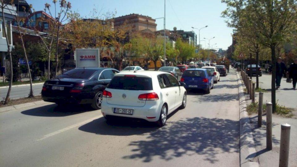 """""""Udhëzimi i ri për regjistrimin e makinave i dëmshëm për qytetarët dhe bizneset"""""""
