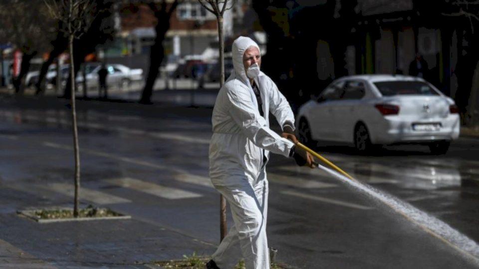 """Qeveria kërkon pastërti, por nuk shpërblen punëtorët e kompanisë """"Pastrimi"""""""