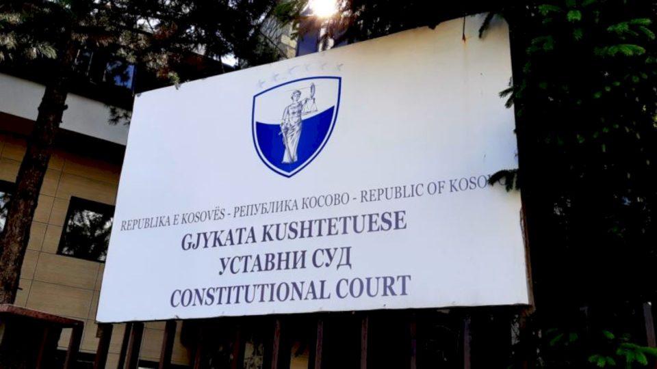Kushtetuesja pajtohet me dekretin e Thaçit