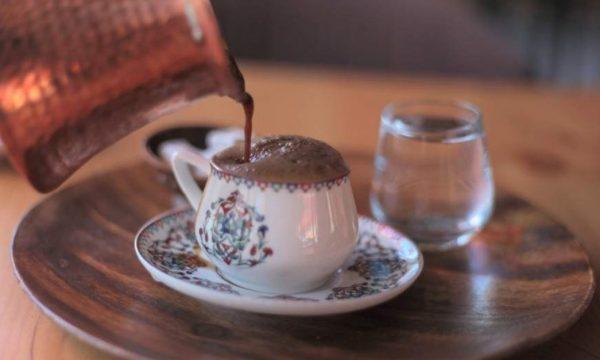 Cilët persona nuk preferohet të konsumojnë kafe turke dhe pse