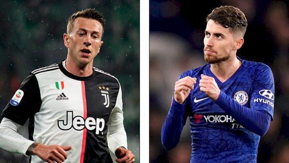 Juventusi i gatshëm për ta shkëmbyer Bernardeschi-n me Jorginho-n
