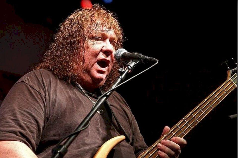 "Vdes Steve Priest, basisti i bendit ""The Sweet"""