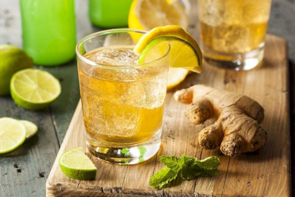 2 receta pijesh freskuese për këto ditë të nxehta vere