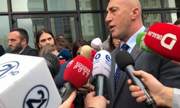 Haradinaj tregon si e bindi Haxhi Shalën që ta votojë Qeverinë Hoti