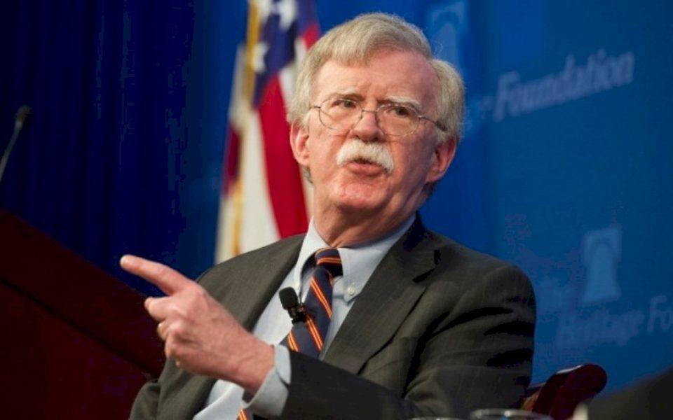 John Bolton: Shkëmbimi i territoreve nuk ishte ide e imja, e kërkuan liderët e Kosovës dhe Serbisë