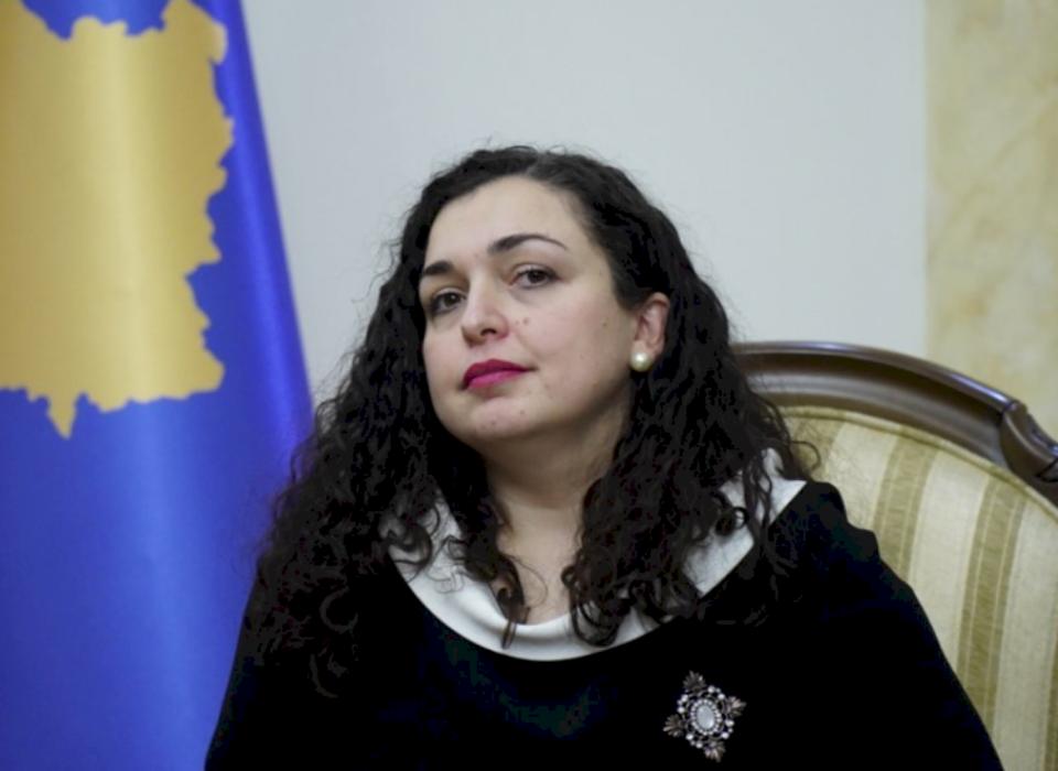 Kryeparlamentarja Vjosa Osmani ushtron detyrën e Presidentes pas dorëheqjes së Thaçit