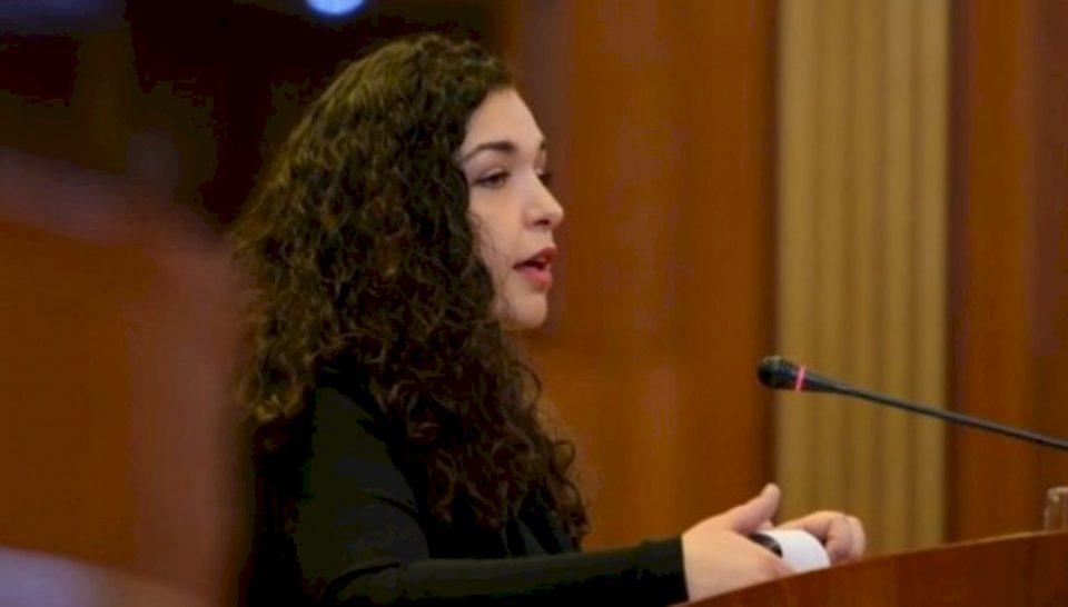 300 të vdekur nga koronavirusi në Kosovë, reagon Vjosa Osmani