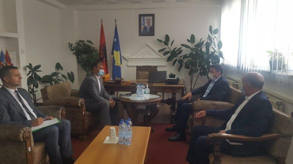 Ministri Likaj vizitoi komunën e Dragashit