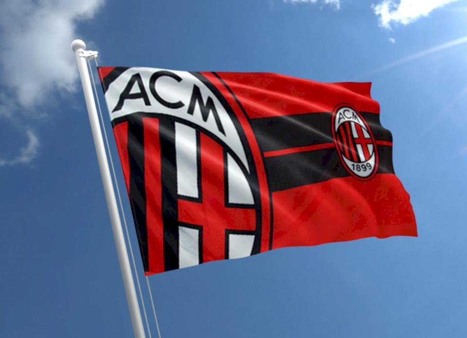 Milan mposht gjigantët evropian, po e transferon talentin e madh të sulmit