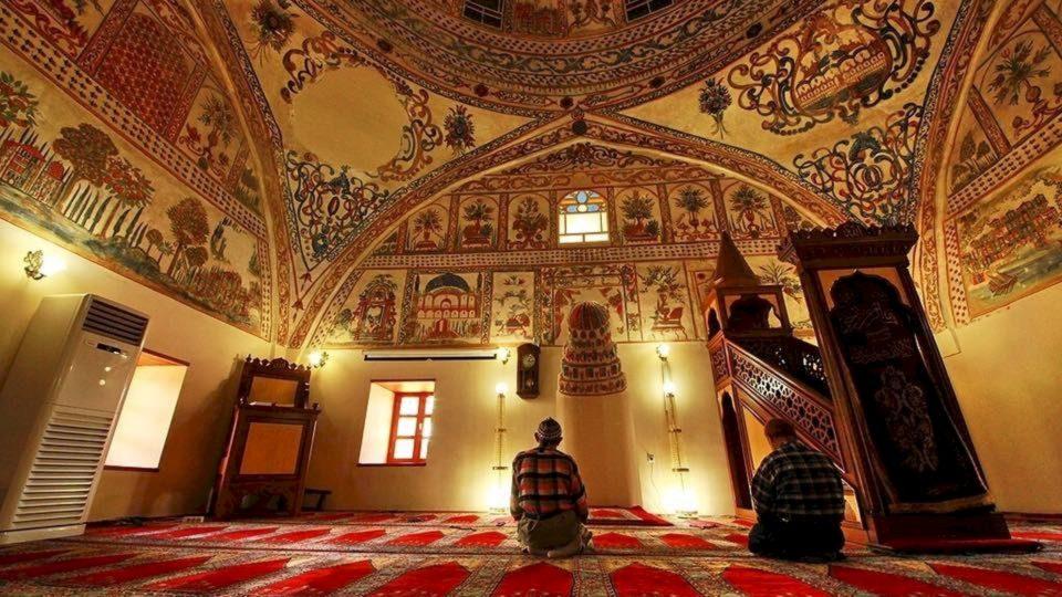 Dashuria ndaj xhematit dhe xhamisë