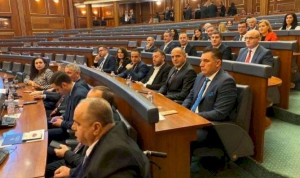Deputetja e LDK-së e pranon se koalicioni qeverisës s'i ka 61 vota në Kuvend