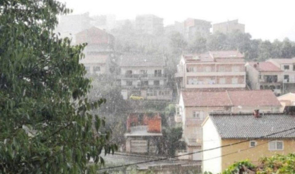 Nga java e ardhshme priten reshjet e borës mbi vendin tonë