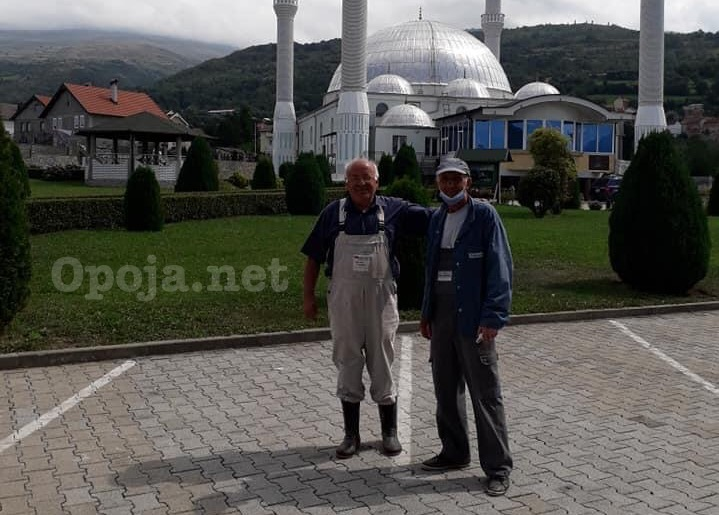Nexhmidin Nijaziu dhe Salim Ramadani, dy penzionera të vullnetit të mirë