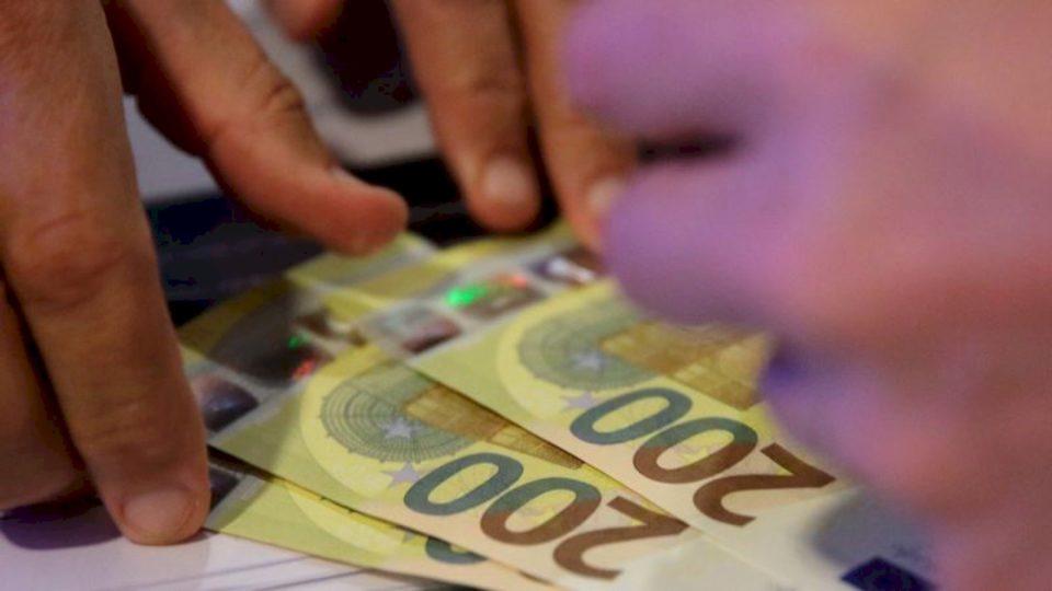Pajtimi i heshtur i partive politike për transparencë të ulët financiare