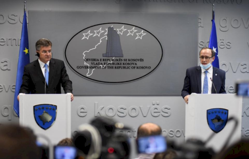 Vizita e Lajçakut në Prishtinë dhe Beograd, përpjekje për zhbllokimin e çështjes së Asociacionit