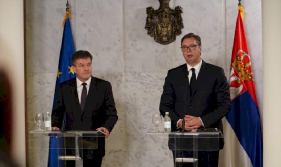 Vuçiq kushtëzon BE'në për formimimin e Asociacionit