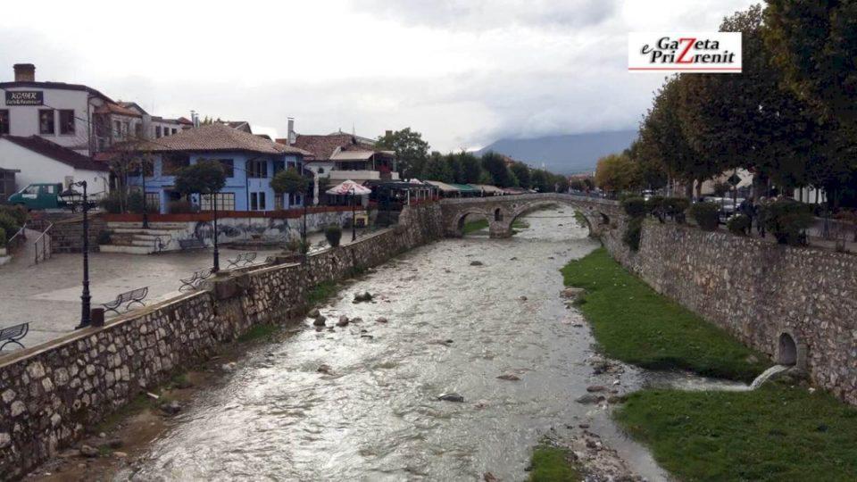 Zhduket një 15 vjeçare në Prizren, familjarët kërkojnë ndihmë për ta gjetur