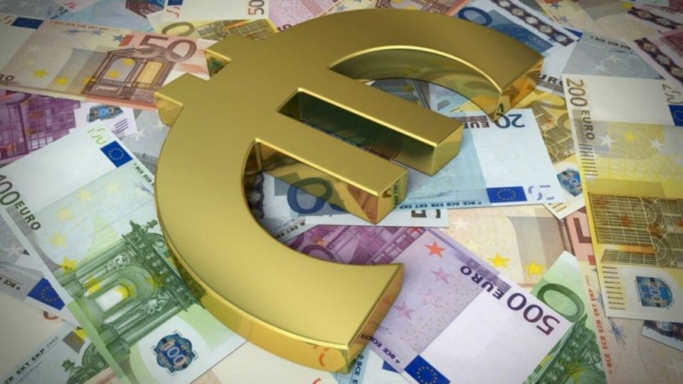 Shteti mbi gjysmë miliard euro borxhe bizneseve dhe qytetarëve