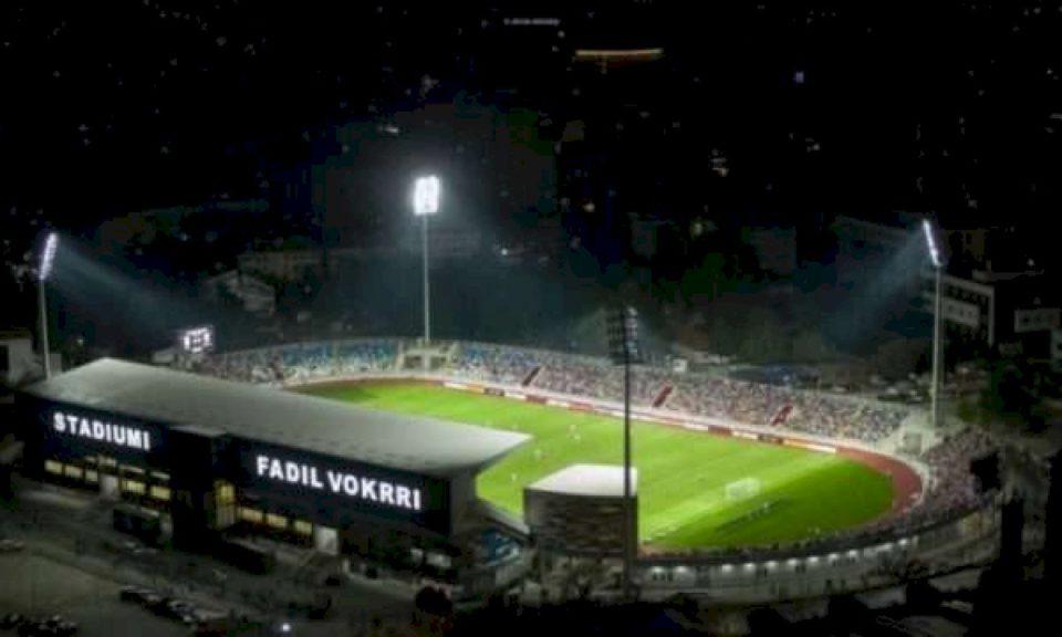 """Pamje mahnitëse, koha kur stadiumi """"Fadil Vokrri"""" ishte i mbushur me 50 mijë persona"""