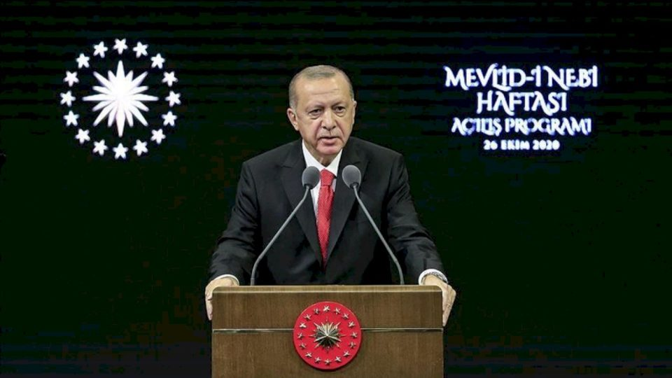 Erdoğan thirrje popullit: Mos blini asnjëherë mallra franceze