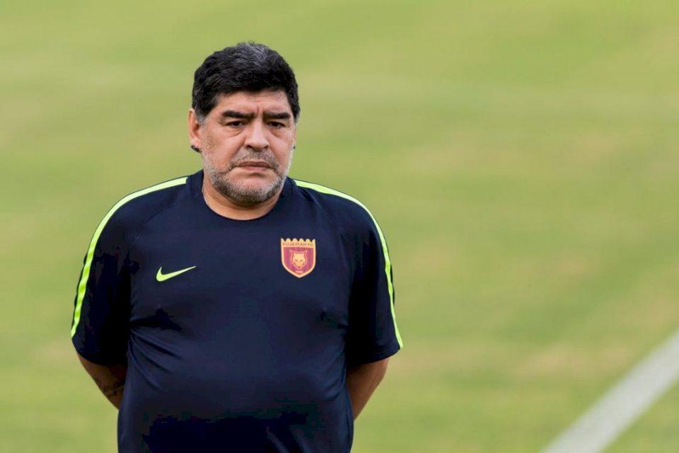 Maradona dërgohet në spital