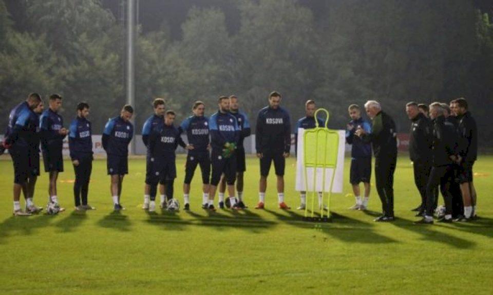Kosova zhvillon stërvitjen e parë në Durrës para ndeshjes me Shqipërinë