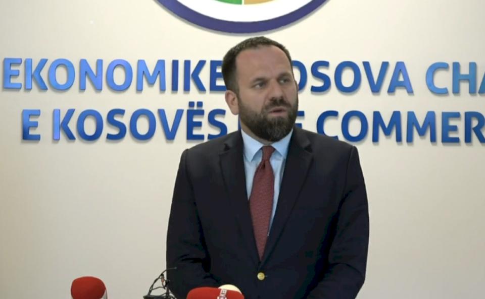 Rukiqi ka një njoftim për punëtorët që punojnë në komunat ku ka orë policore