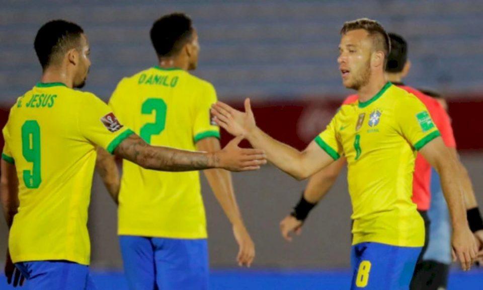 Brazili e mposht Uruguain, e vazhdon ecurinë e përkryer në kualifikimet e Botërorit 2022