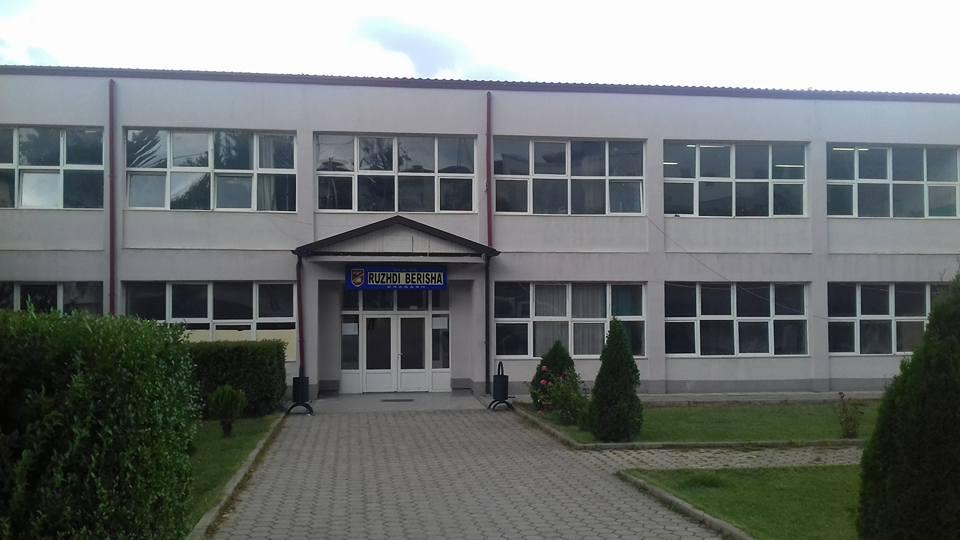 """Nga nesër hapet përsëri Gjimnazi """"Ruzhdi Berisha"""" në Dragash"""