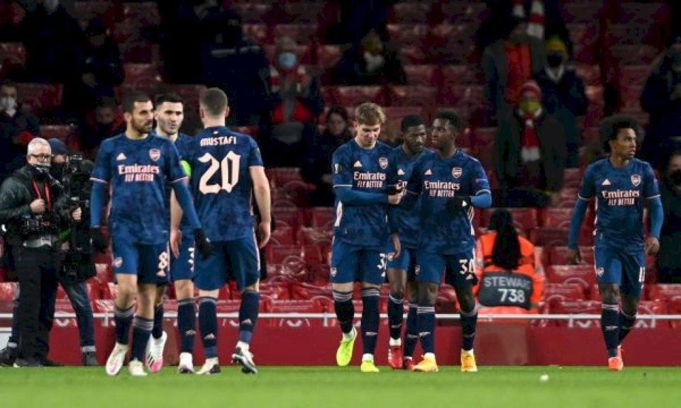 Arsenali e dominon Rapidin, vazhdon pa humbje në Europa Ligë