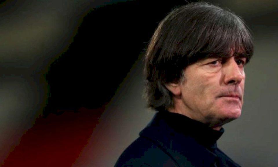 Klopp i del në mbrojtje trajnerit të Gjermanisë Low