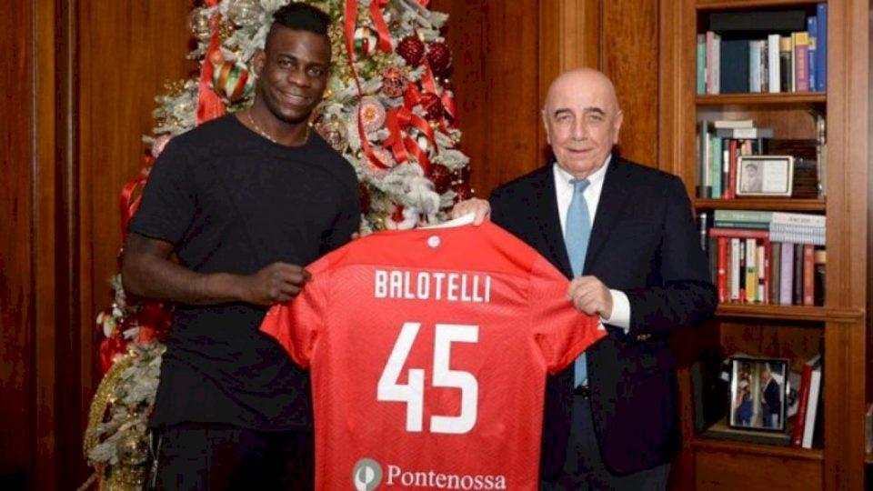 Zyrtare: Balotelli kalon te Monza
