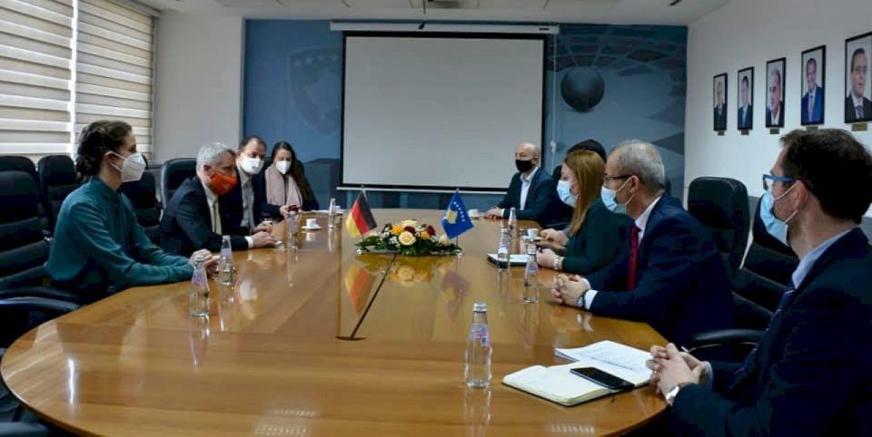 Qeveria gjermane mbështet Kosovën me mbi 72 milionë euro