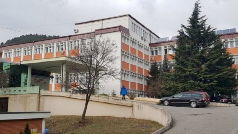 Në Spitalin e Pejës 146 pacientë me Covid-19, 101 prej tyre në oksigjeno-terapi