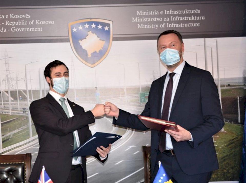 Kosova dhe Mbretëria e Bashkuar, nënshkruajnë marrëveshje për transportin ndërkombëtar tokësor
