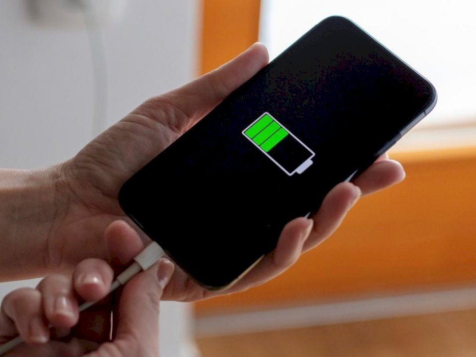 Rimbushje e plotë e telefonave të mençur në më pak se 15 minuta